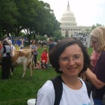 Rally for Food and Farm Freedom brings a cow to the Capitol!