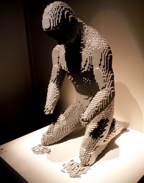 Art of the Brick - losing hands